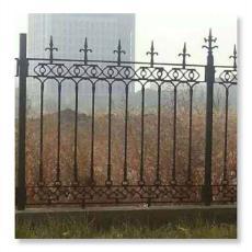 山东厂家直销铸铁围栏 厂房别墅围墙铸铁护栏铁艺栏杆 建筑护栏