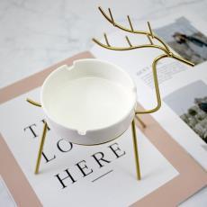 家用雪茄烟灰缸客厅茶几潮流ins北欧小鹿摆件 创意个性铁艺烟灰缸