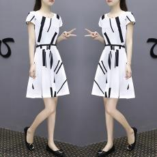 2019春夏季新款女装简约韩版修身圆领白色短袖A字中裙大码连衣裙