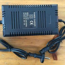 36V电动车充电器电动自行车充电器铅酸电池充电器智能1.5-2.0A