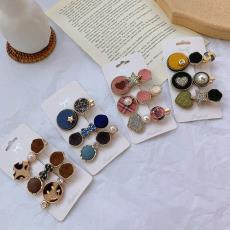 19款新款多样式形状多色可爱发夹 饰品厂家直销 韩版亚克力头饰