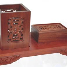 酸枝木两件套 创意工艺办公礼品订制 红木镂空浮雕笔筒带名片盒